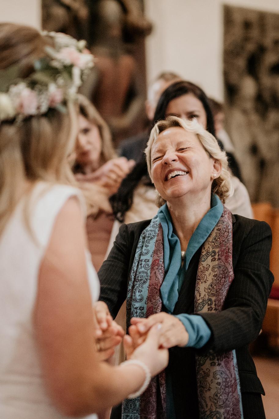 Hochzeitsfotograf Mittelburg Neckarsteinach Hochzeitsfotos Fotograf Hochzeit Bilder Fotos Hochzeitsfotografin Reportage evangelische Kirche