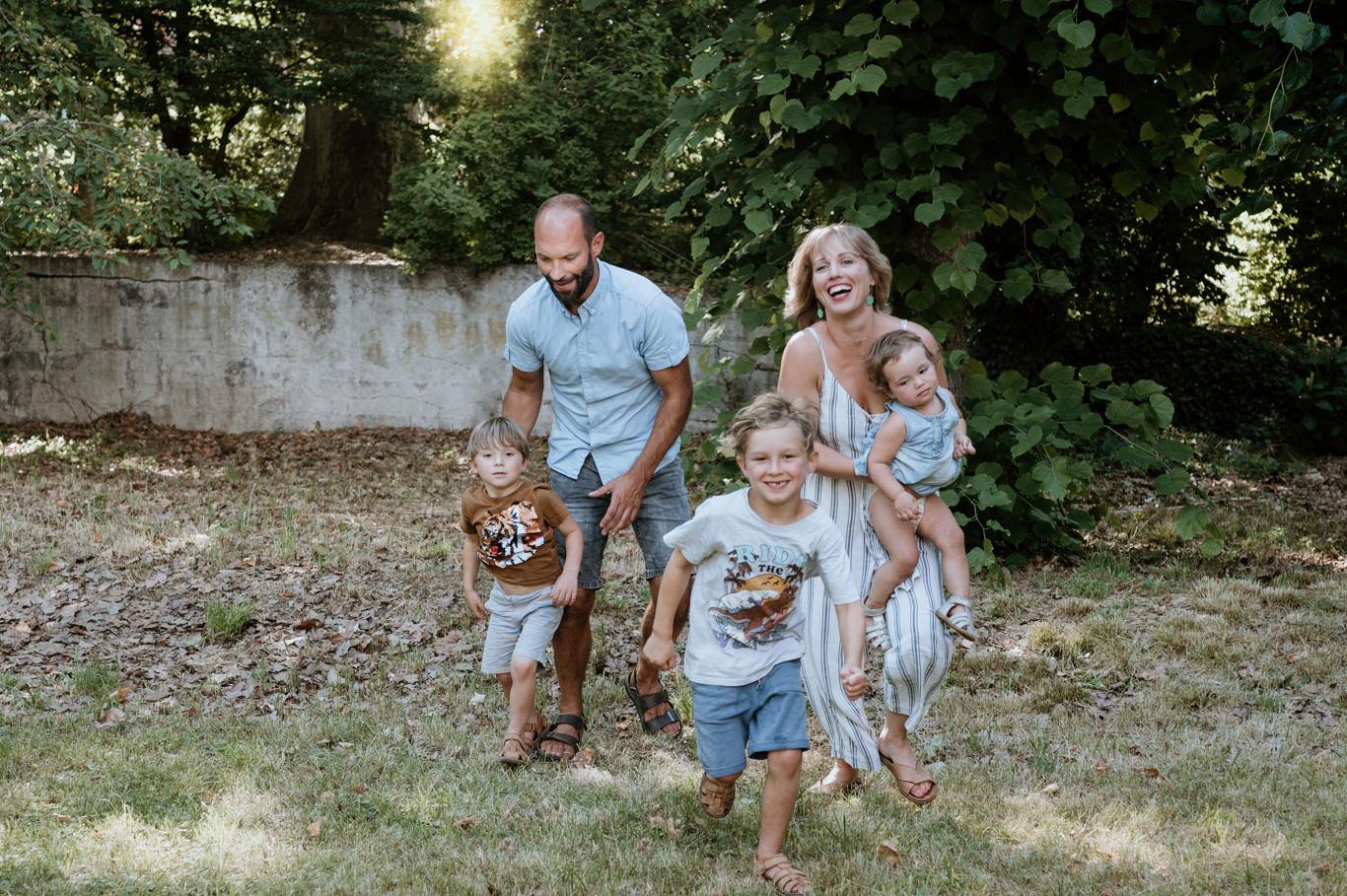 Familienfotograf Familien Fotos Mannheim Ludwigshafen Heidelberg Kinderbilder Familienreportage
